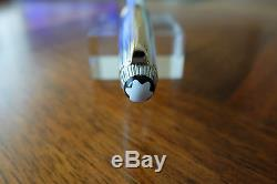 MONTBLANC MEISTERSTUCK SOLITAIRE AG925 STERLING SILVER 163 GOLD TRIM OLLERBALL