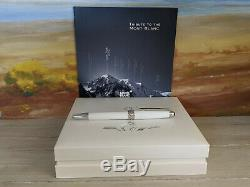 MONTBLANC Meisterstuck Solitaire Tribute to the Montblanc Rollerball Pen, NOS